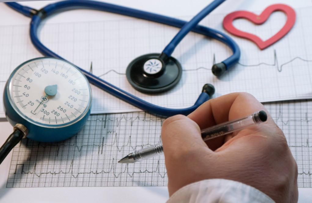 heart health stethoscope cholesterol